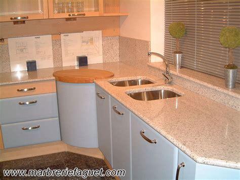 plan de travail cuisine belgique cuisine blanc avec plan de travail en granit