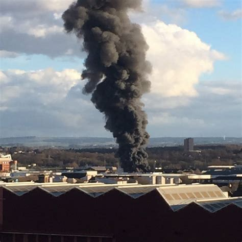 Scrap Yard Glasgow by Glasgow Scrapyard Fire Readers Pics Glasgow Live