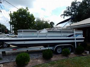 1998 Used Hurricane Fd 226r Deck Boat For Sale -  9 500
