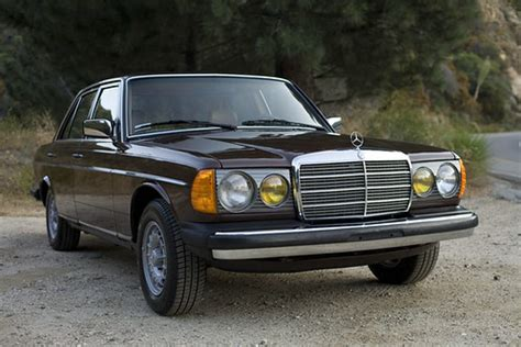 Blue exterior (mb paint code 312) with optional blue leather interior. 1984 Mercedes-Benz 300D Turbo Diesel | Flickr - Photo Sharing!