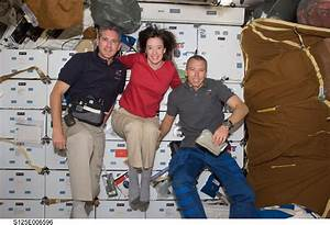 Space Shuttle Astronauts - Pics about space