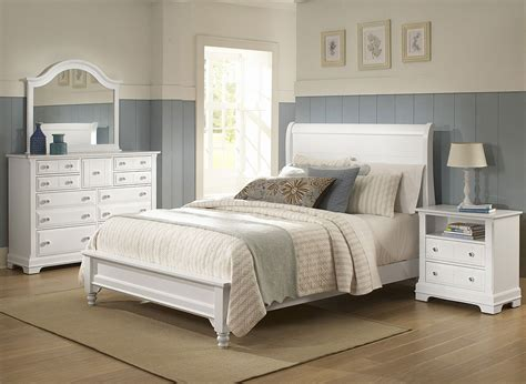 Cottage Bedroom Set by Cottage Sleigh Bedroom Set Snow White Vaughan Bassett