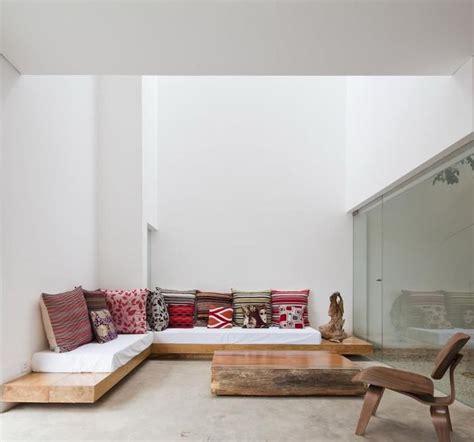 Diy Lounge Sofa by Best 25 Diy Sofa Ideas On Pinterest Diy Couch Build A