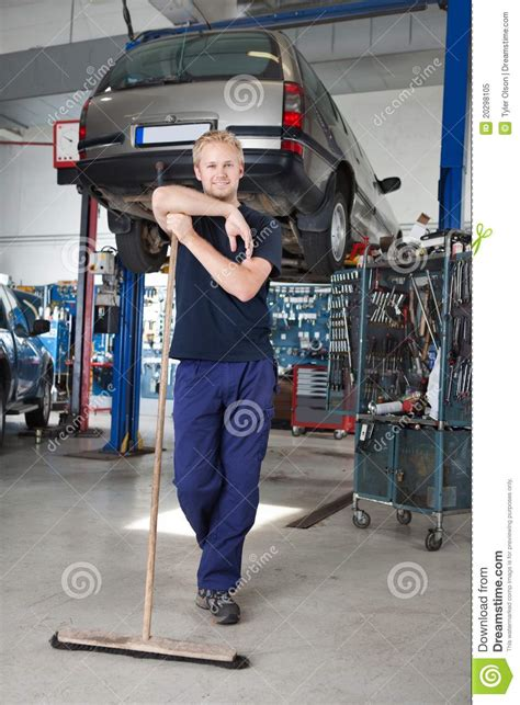 Harga The Shop Clean Free clean mechanic garage stock image image of leisure