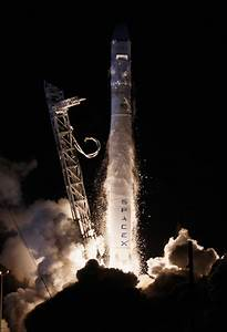SpaceX Launches Dragon Spacecraft For Mission To ...