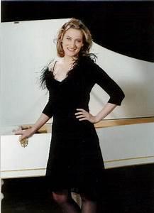 Anne Galowich Harpsichord Short Biography
