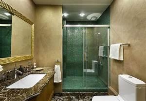 Mosaique salle de bain verte et idees pour les autres pieces for Salle de bain design avec fil métallique décoratif
