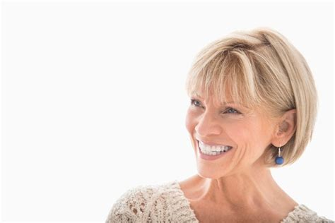 6 Stylish Short Hairstyles For Older Women