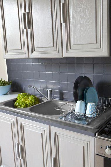 peinture sur meuble cuisine les 25 meilleures idées de la catégorie repeindre meuble