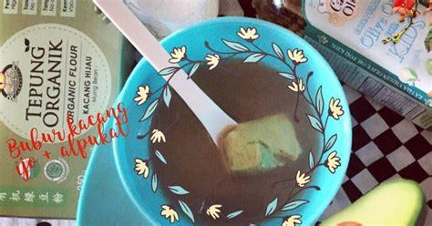 Pancake bisa menjadi sajian selain kue kerangjang, yang bisa disuguhkan di atas meja dengan kreasi warna warni dan taburan topping yang menggugah langsung saja simak resep pancake berikut ini. Resep MPASI - kacang ijo avocado oleh Yayu Ayyu - Cookpad