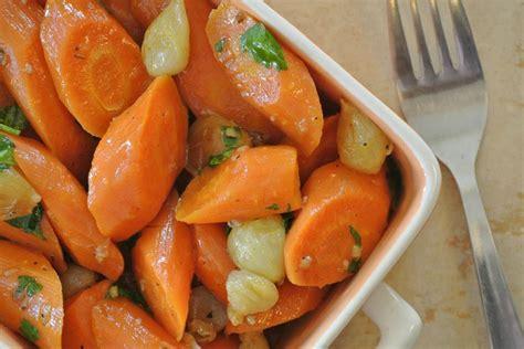 bouquet garni en cuisine carottes braisées aux oignons dans la cuisine de fabienne