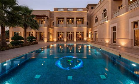 square foot mega mansion  dubai homes   rich