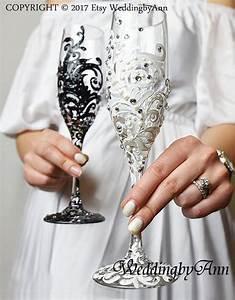 Sektgläser Schwarz Weiß : wei und schwarz spitze hochzeit gl ser spitze hochzeit hochzeit hochzeitsgl ser ~ Watch28wear.com Haus und Dekorationen