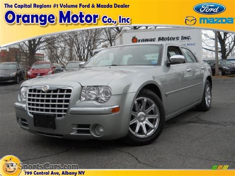 2005 Chrysler 300 C HEMI in Bright Silver Metallic