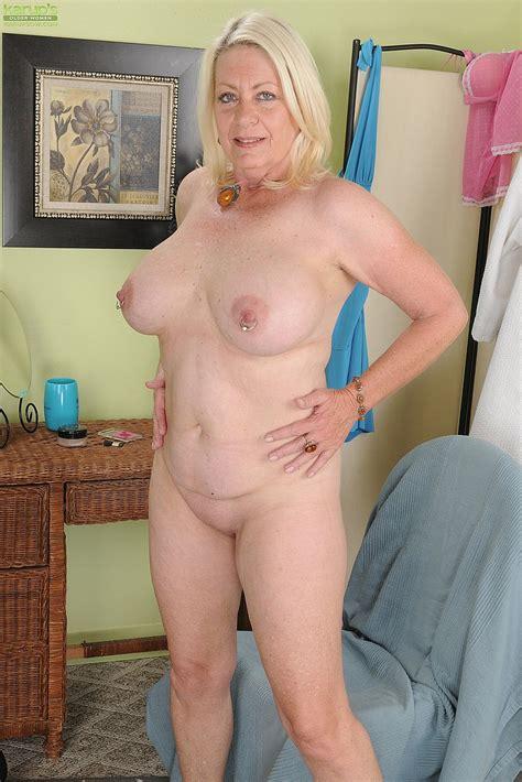 blonde milf angelique caress her punani moms archive