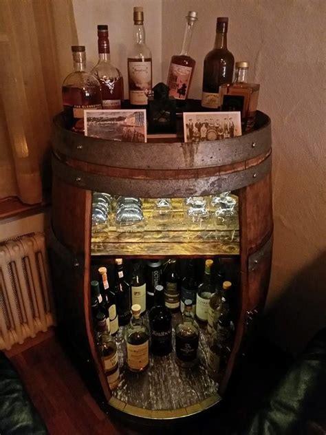 Whisky Zimmer Einrichten by Whiskey Barrel Repurposed As A Diy Cave Whiskey Bar