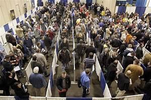 Oshkosh Corp. job fair attracts a horde