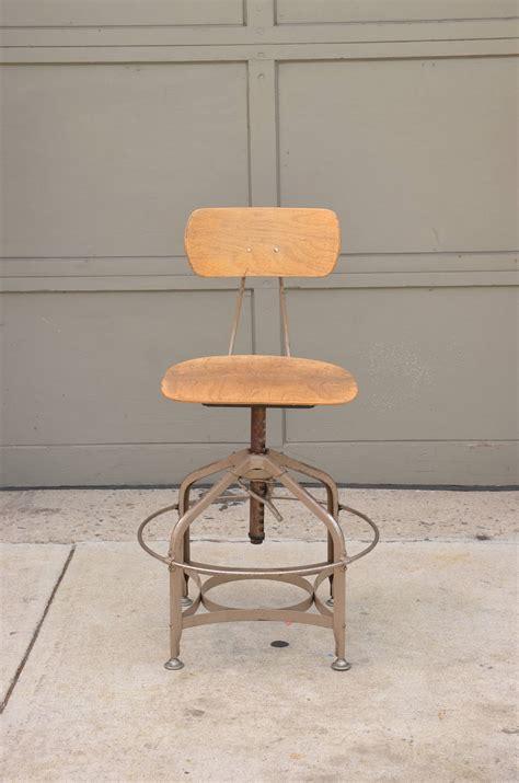 set of 4 vintage adjustable swiveling toledo bar stools at 1stdibs