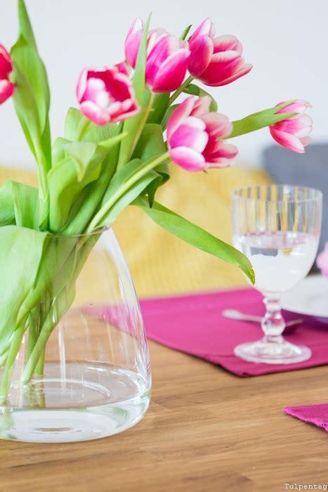 tulpen im topf in der wohnung tulpen im topf aquarell