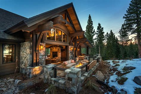 Lodge Style Home Blends Rusticcontemporary In Martis Camp