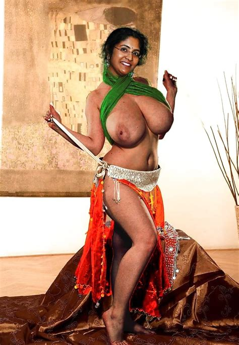 Slutty Indian Mom Showing Off Her Huge Tits Pics