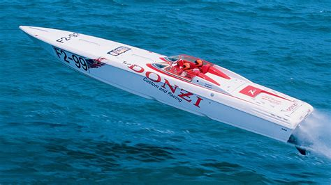 Donzi Go Fast Boats For Sale by Donzi Racing Power Boats Dominating Offshore
