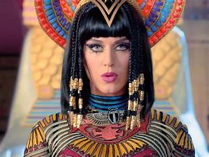 Katy Perry 'Dark Horse' video causes offence after ...