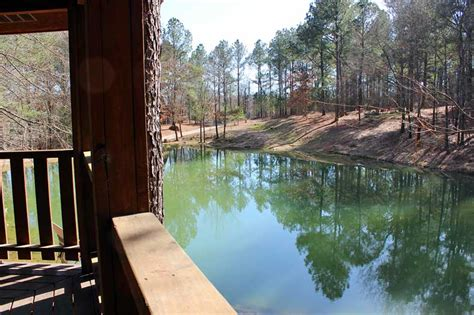 waters edge secluded beavers bend cabin   private secluded wooded acres shared