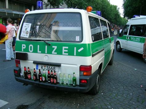 multi funktionsgeraet polizeiwagen