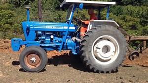 Arando Com O Trator Ford 6600