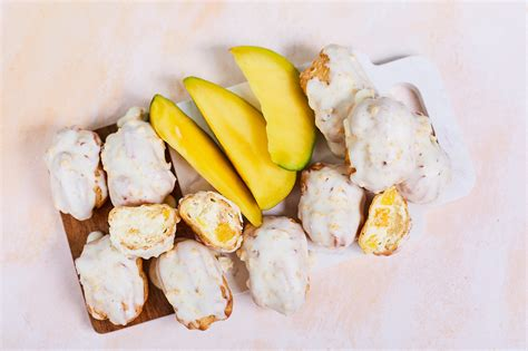 Mazie Eklēri ar mango pildījumu :: Liepkalni maiznīca