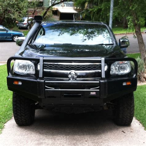 dobinsons bull bar  holden colorado rg