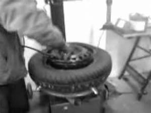 Reifen Auf Felge Ziehen : reifen auf felge montieren youtube ~ Watch28wear.com Haus und Dekorationen