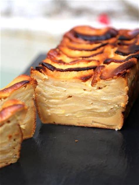 marmiton dessert aux pommes g 226 teau invisible aux pommes et au caramel au beurre sal 233