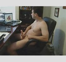 Dumbass Guy Loves Jacking Off On Make A