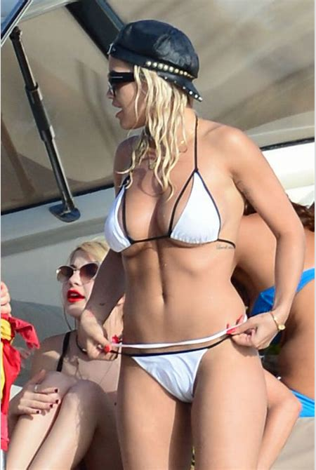 Rita Ora Bikini Cameltoe While On A Yacht In Ibiza | celebrity-slips.com