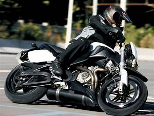Fiche Moto 12 : buell xb 12 stt lightning super tt 2007 fiche moto motoplanete ~ Medecine-chirurgie-esthetiques.com Avis de Voitures