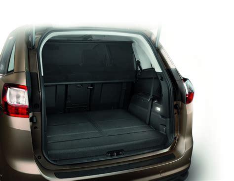 ford c max coffre la protection du chargement ford c max ford accessoires en ligne