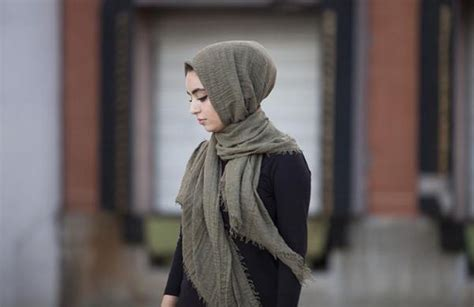style hijab baju warna hitam tutorial hijab terbaru