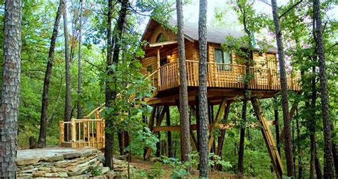 treehouse cottages eureka springs ar towering pines treehouse eureka springs treehouse cabins