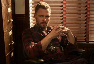IS Patrick John Flueger leaving Chicago PD after season 5 ...