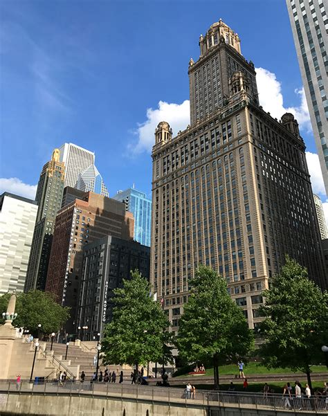 Familyfriendly Architecture Boat Tour On The Chicago River