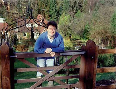 alan titchmarshs barleywood garden  sale amateur