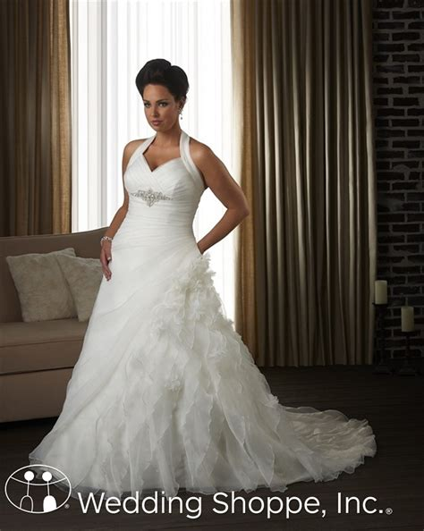 bridesmaid dresses plus size flattering which plus size wedding dresses are the most flattering and related questions