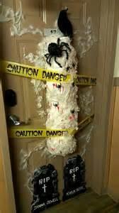 college dorm door decorating contest college life