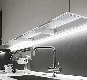 Emejing lampade sottopensili cucina images embercreative for Illuminazione sottopensili cucina