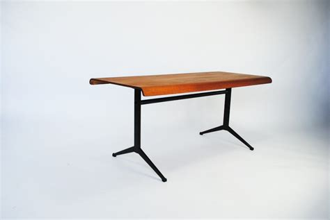 Friso Kramer Coffee Table  Palissander Palissander