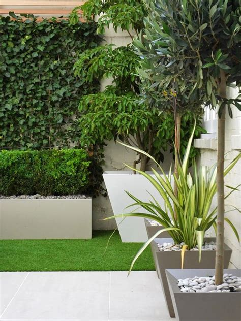 small courtyard  artificial turf artificial garden