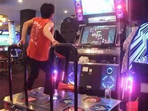Insane Japanese Dance Dance Revolution Player - Geekologie