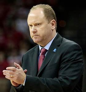 Badgers men's basketball: UW signs Greg Gard to 5-year ...